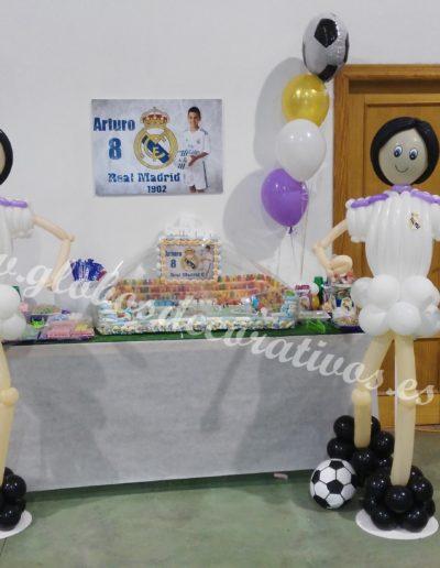 futbolistas madrid con globos