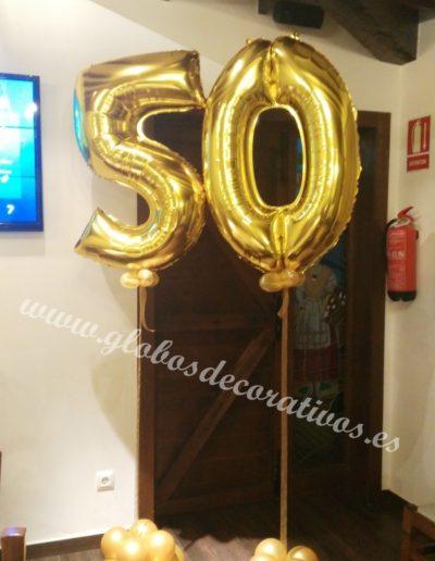 numero 50 con globos